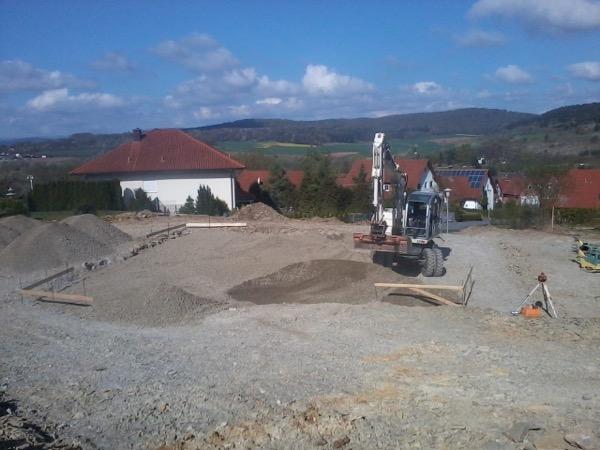 Einbau des Schotterpolsters für eine Bodenplatte