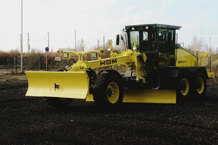 Allrad-Motorgrader HBM 130 TA-4